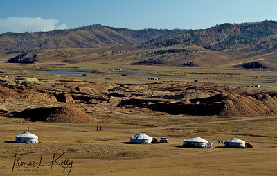 A traditional ger tent camp springs up around a site where ordinary Mongolians are exploring for gold. Sarangol Valley, 200 KMs Northwest of the Capital city Ulan Bator, Mongolia.