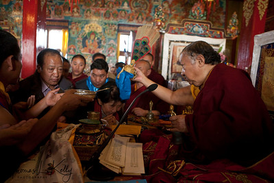 Ven. Chokling Rinpoche blessing the amchis.