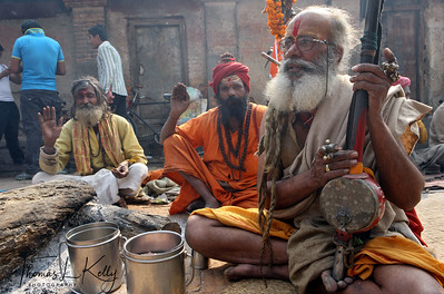 Ektara are commonly used in kirtan chanting by sadhus, which is a Hindu devotional practice of singing the divine names and mantras in an ecstatic call and response format. Pashupatinath temple, Kathmandu, Nepal.