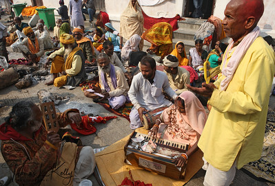 Kirtan chanting, which is a Hindu devotional practice of singing the divine names and mantras in an ecstatic call and response format. Pashupatinath temple, Kathmandu, Nepal.