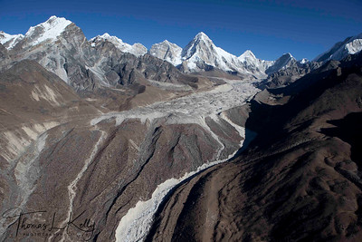 Kala patthar on the left, pumori center trail to Everest Base Camp. Lukla, Nepal.