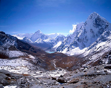 Lhotse himal from Gokyo ri.