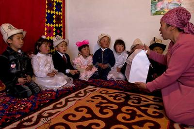 Students understands shapes. Satellite Kindergarten (SKG) in Kabylanlal, Kyrgyz Republic.