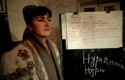 This young woman is training a group from Saving and Credit, on what to do during hypothermia. Tazikistan;Dushambee
