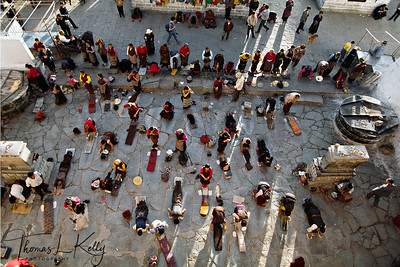Pilgrims at Jhokhang. Lhasa