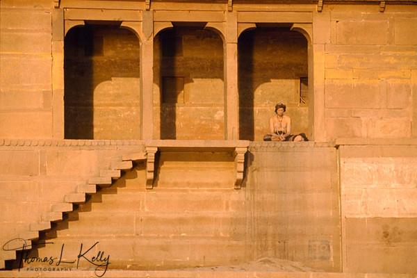 Shadu praying. Vanaras, india.