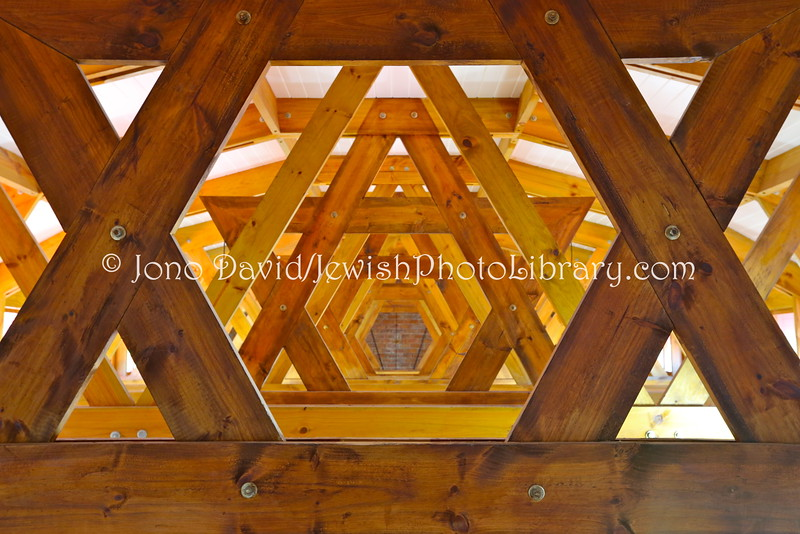 ZA 12294  Ceiling trusses, Greater Plettenberg Bay Jewish Community Synagogue  Plettenberg Bay, South Africa