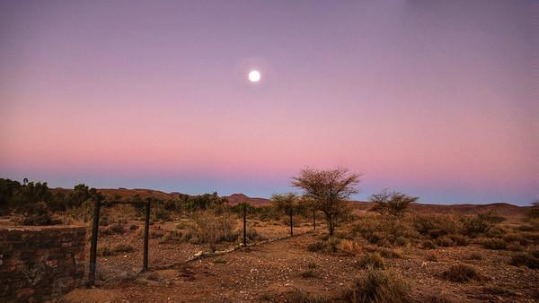 Neuras - Sunset Moon - Namilbia