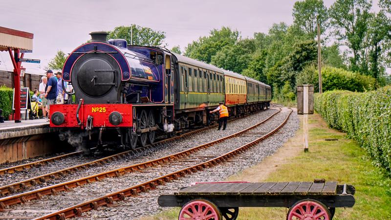 Kent & East Sussex Railway - Northiam - Hunslet Austerity 0-6-0ST Class