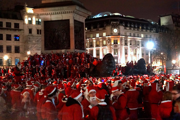Trafalgar Square - Flash Mob Christmas