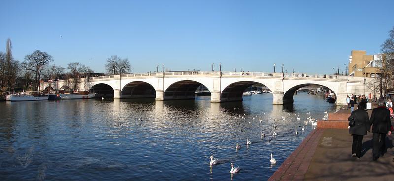 Kingston upon Thames - Bridge