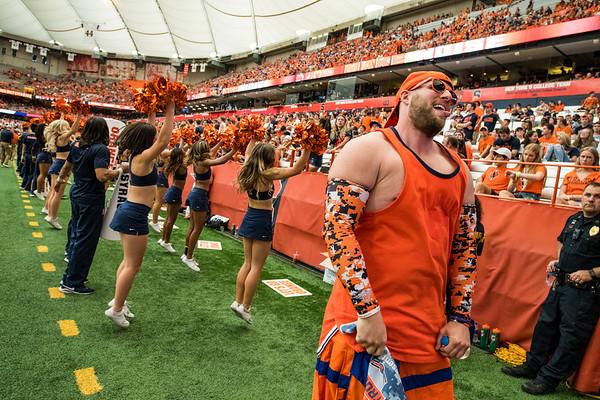 SU super fan celebrates the Syracuse Orange touchdown.