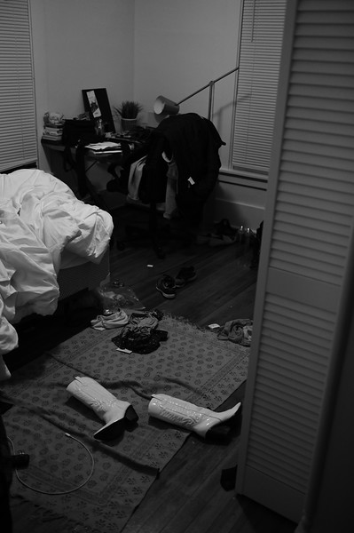 Aanya broke up with her boyfriend Meeting for FADS Messy room after Halloween weekend Shot her personal stuff Used 24-70mm + Z6