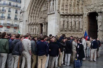 Entrée dans la cathédrale