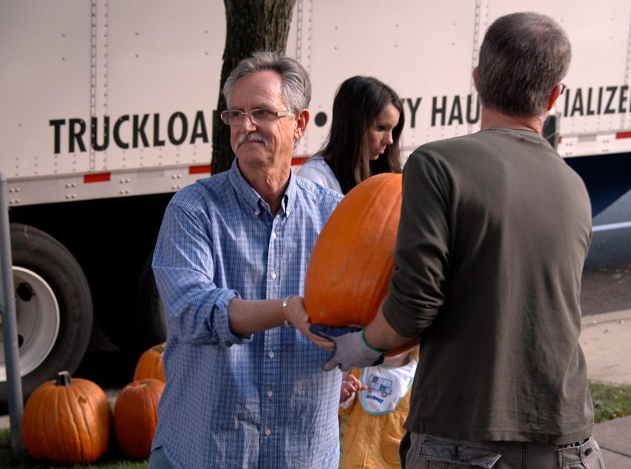 Pumpkin Passin' - 25