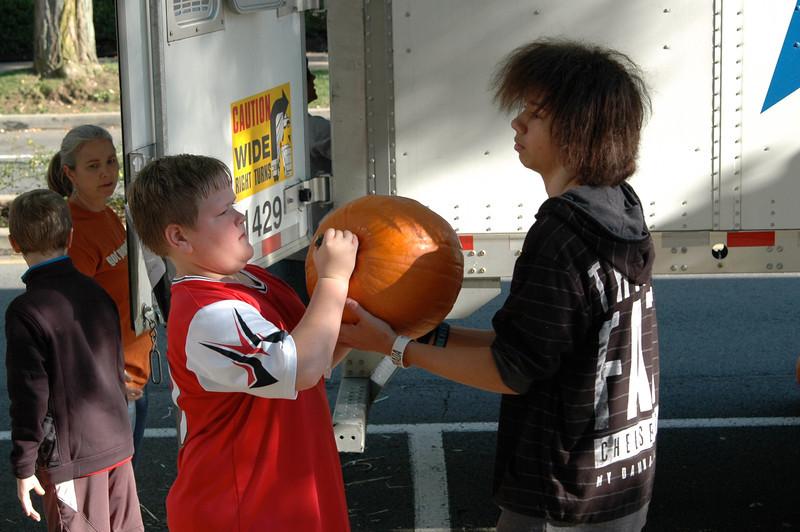 Pumpkin Passin' - 07