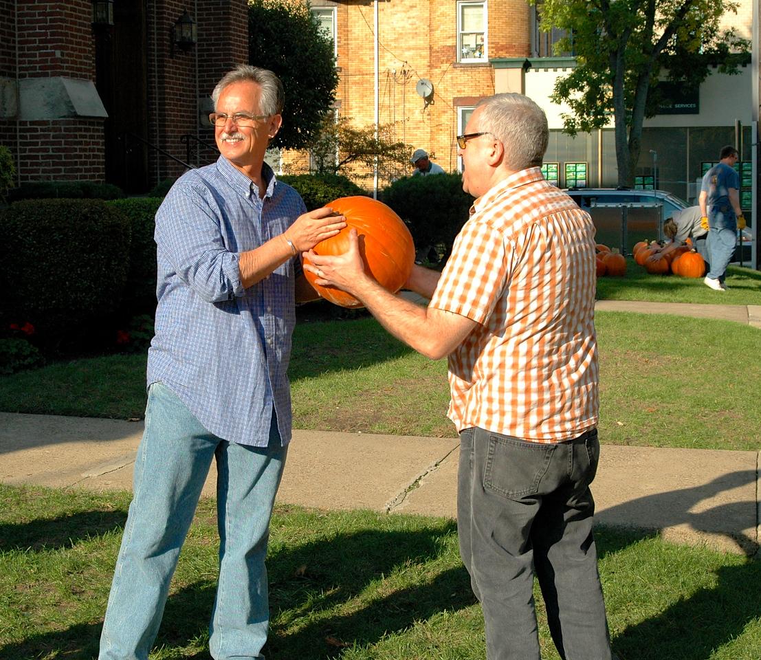 Pumpkin Passin' - 09