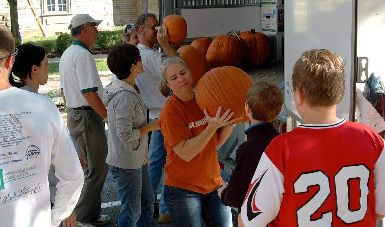 Pumpkin Passin' - 10