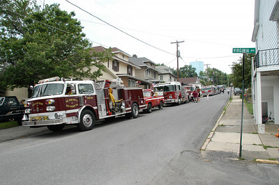 SHENANDOAH HEIGHTS ENGINE HOUSING PARADE 5-29-2010 PICTURES BY COALREGIONFIRE
