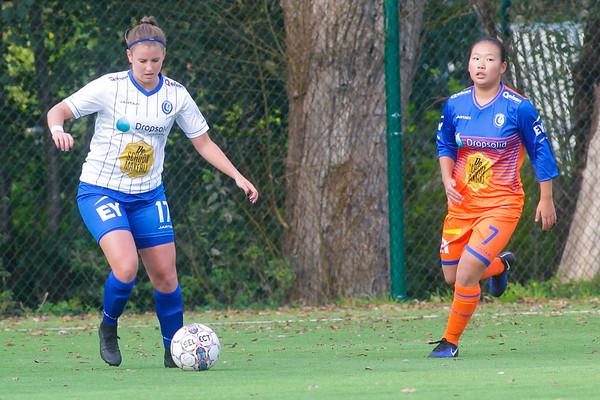 Chloe van Mingeroet of KAA Gent Ladies - Ching Yan Man of KAA Gent Ladies B