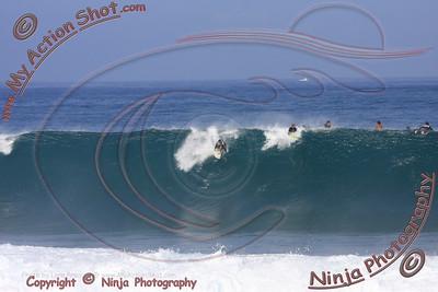 <font color=#F75D59>2008-11-13 - Surfing Pipeline, North Shore - OAHU</font