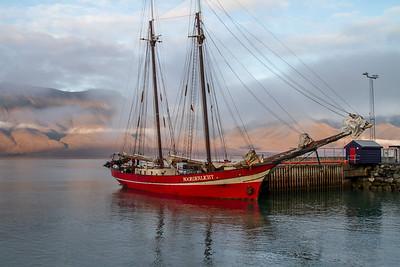 013 Norderlicht moored at Longyearbyen © David Bickerstaff