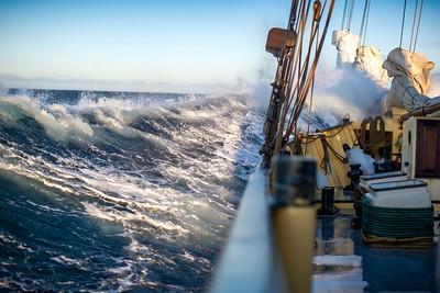 031b Noorderlicht in big seas © David Bickerstaff