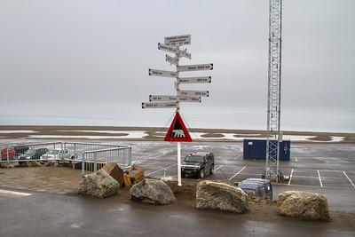 002 Longyearbyen airport © David Bickerstaff