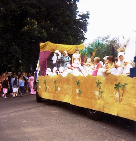 Procession 83