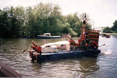 Raft Race 2000