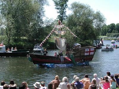Raft Race 06