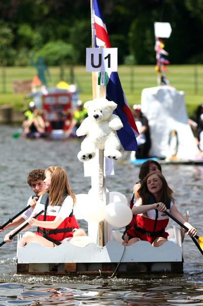Raft Race 09