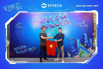 Year-End-Party-2019-Chup-anh-in-hinh-lay-ngay-Tiec-Tat-nien-2019-WefieBox-Photobooth-Vietnam-059