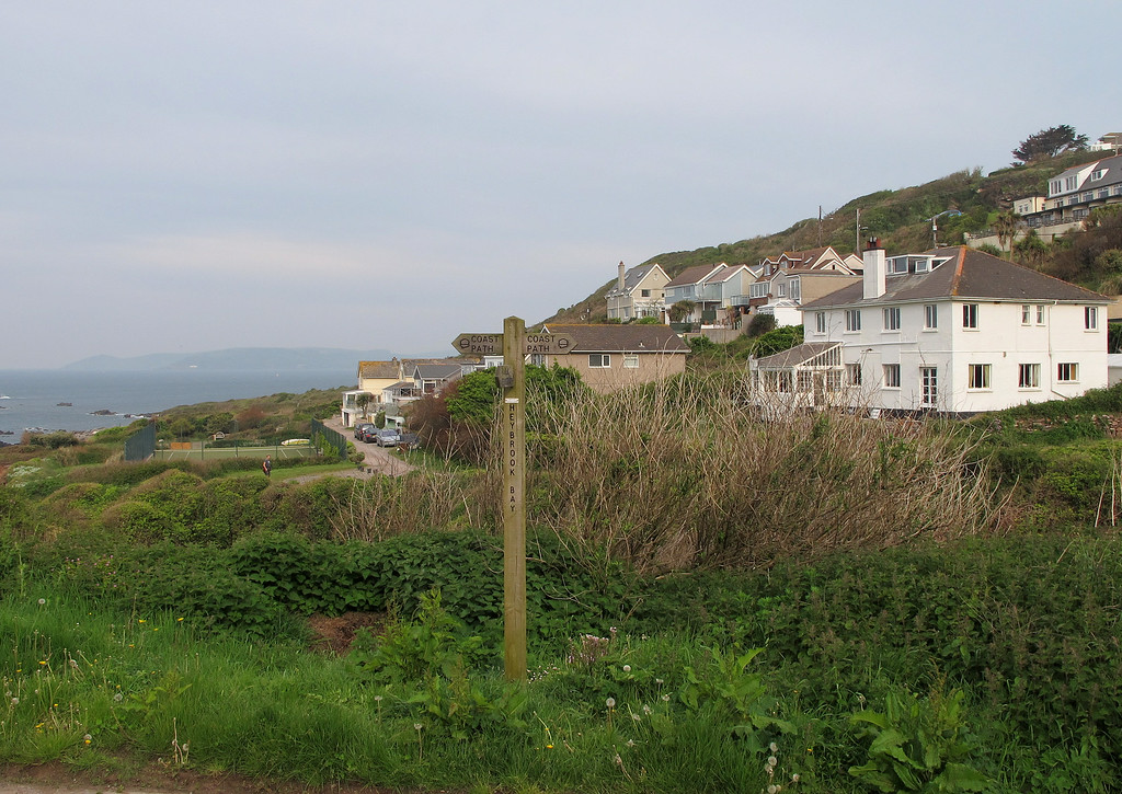 Leaving Heybrook Bay - the B&B was the large white house on the right.