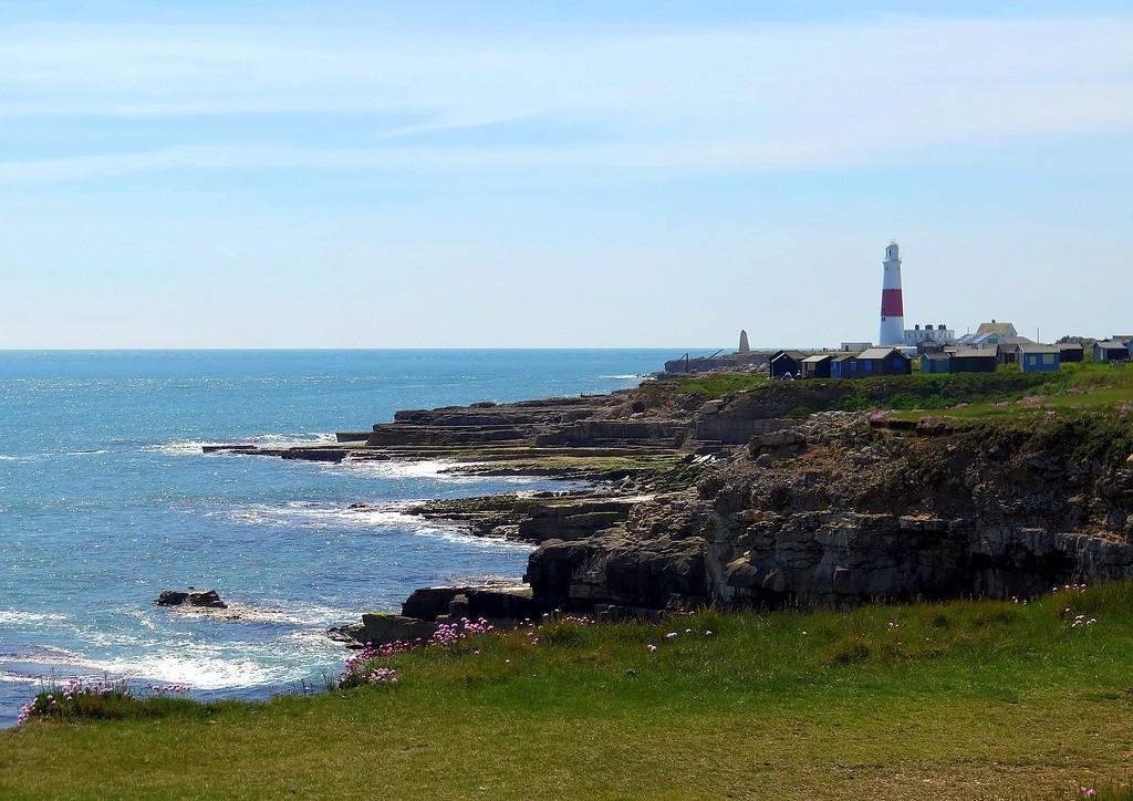 The Bill lighthouse and 'Trinity House' day mark