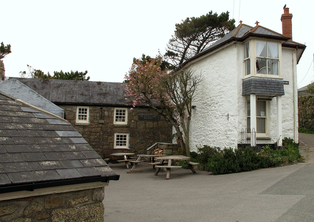 My accommodation for 2 nights, The Tinners Arms, Zennor.   They did very good food and when asked if they had any single malt whisky they produced a separate two page menu of dozens, all in stock, so Talisker it was!