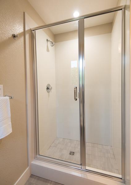 DSC_0988_mstr_shower