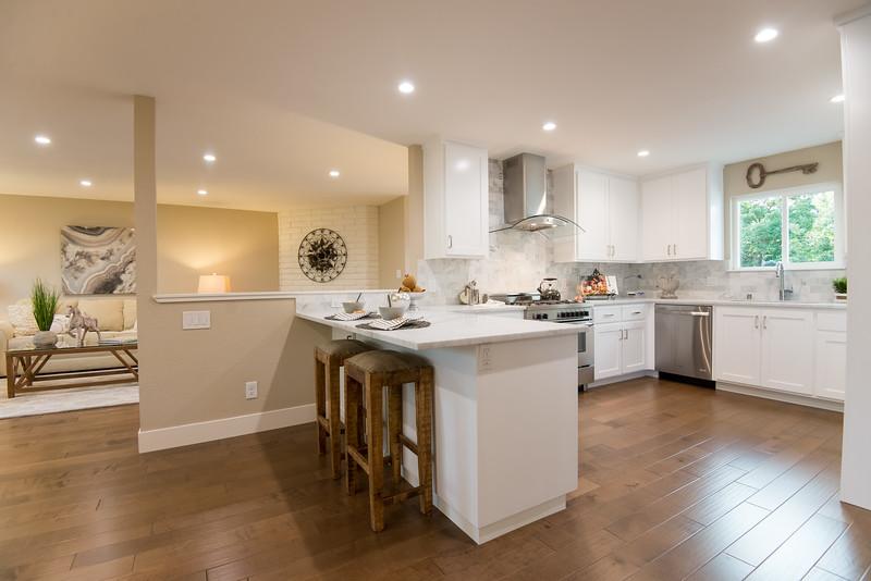 DSC_1099_kitchen