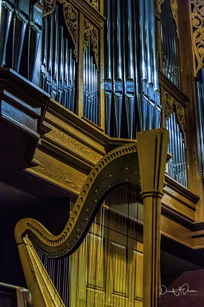 Praise with Harp and Pipe!