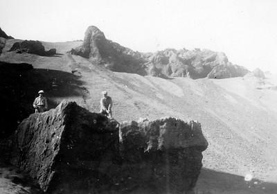 Fimmti teigurinn var upp á Fjósakletti á fyrsta vellinum í Eyjum. Úr myndasafni GSÍ.