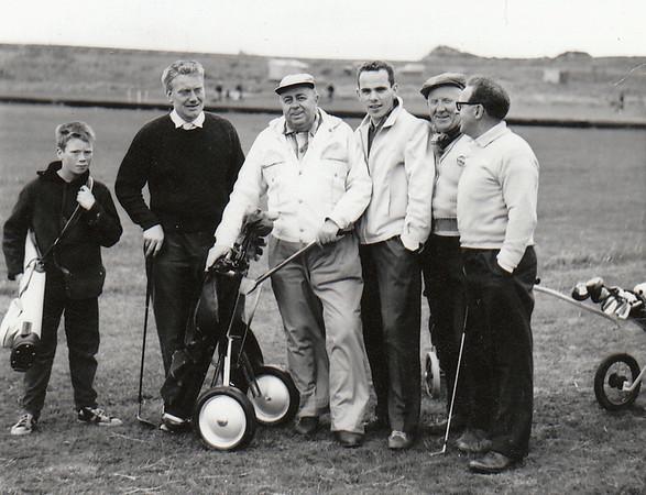 Símamannakeppnin 1962. Fv. kylfuberi óþ, Hörður Bjarnason, Júlíus Pálsson, Ágúst Geirsson, Gunnar Böðvarsson, Sigurjón Hallbjörnsson.