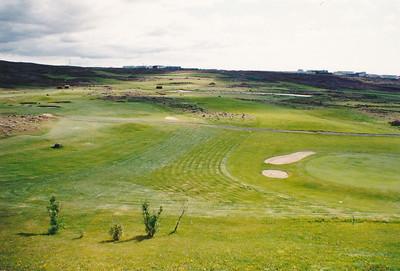Horft yfir golfvöllinn