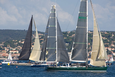 Narida (NOR 105)and other Wally boats leave the harbor.