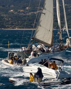 Spectator boat chaos!