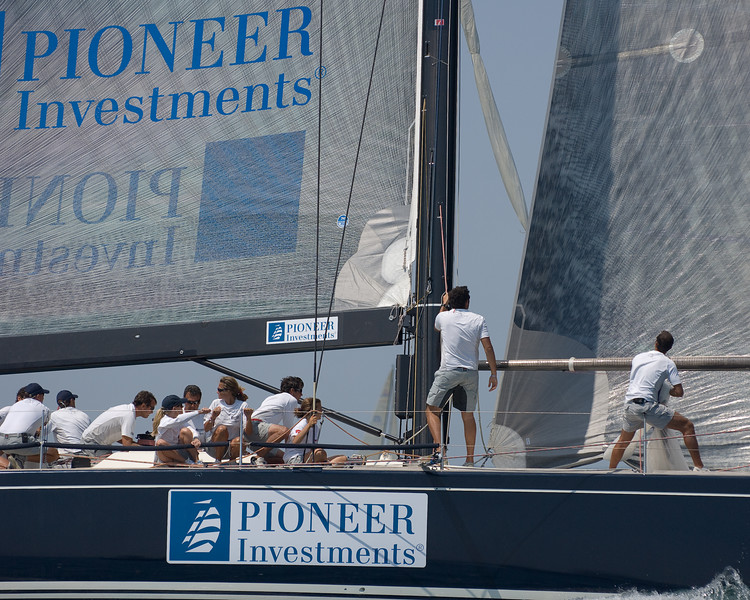 Pioneer Investments by Cuordileone, Swan 601