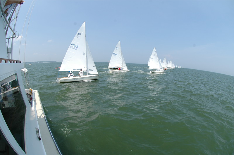Start of Challenger Fleet race 4