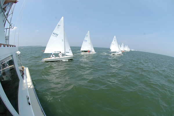Start of Challenger Fleet race 4