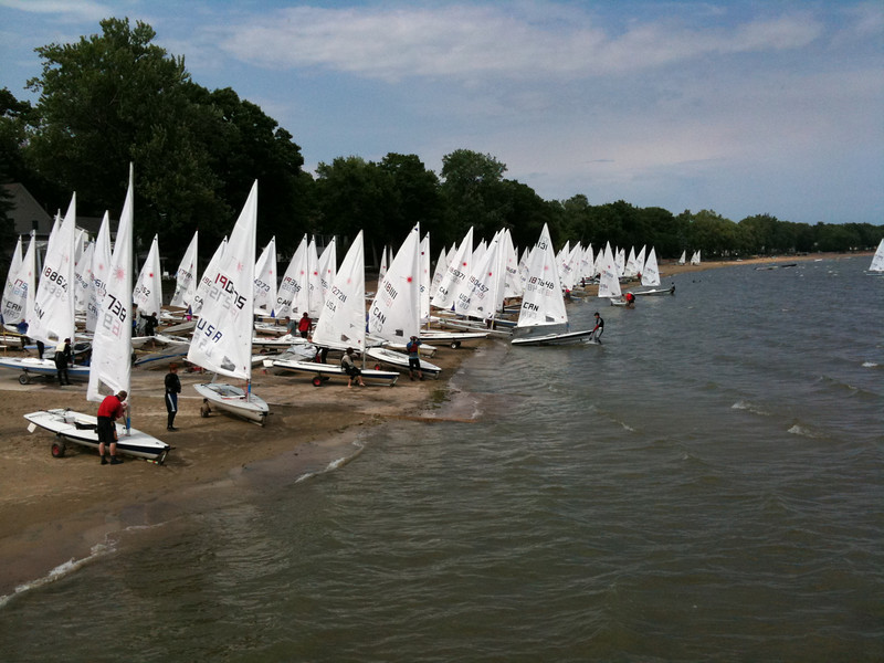 Boats heading back out in the afternoon after the postponement.