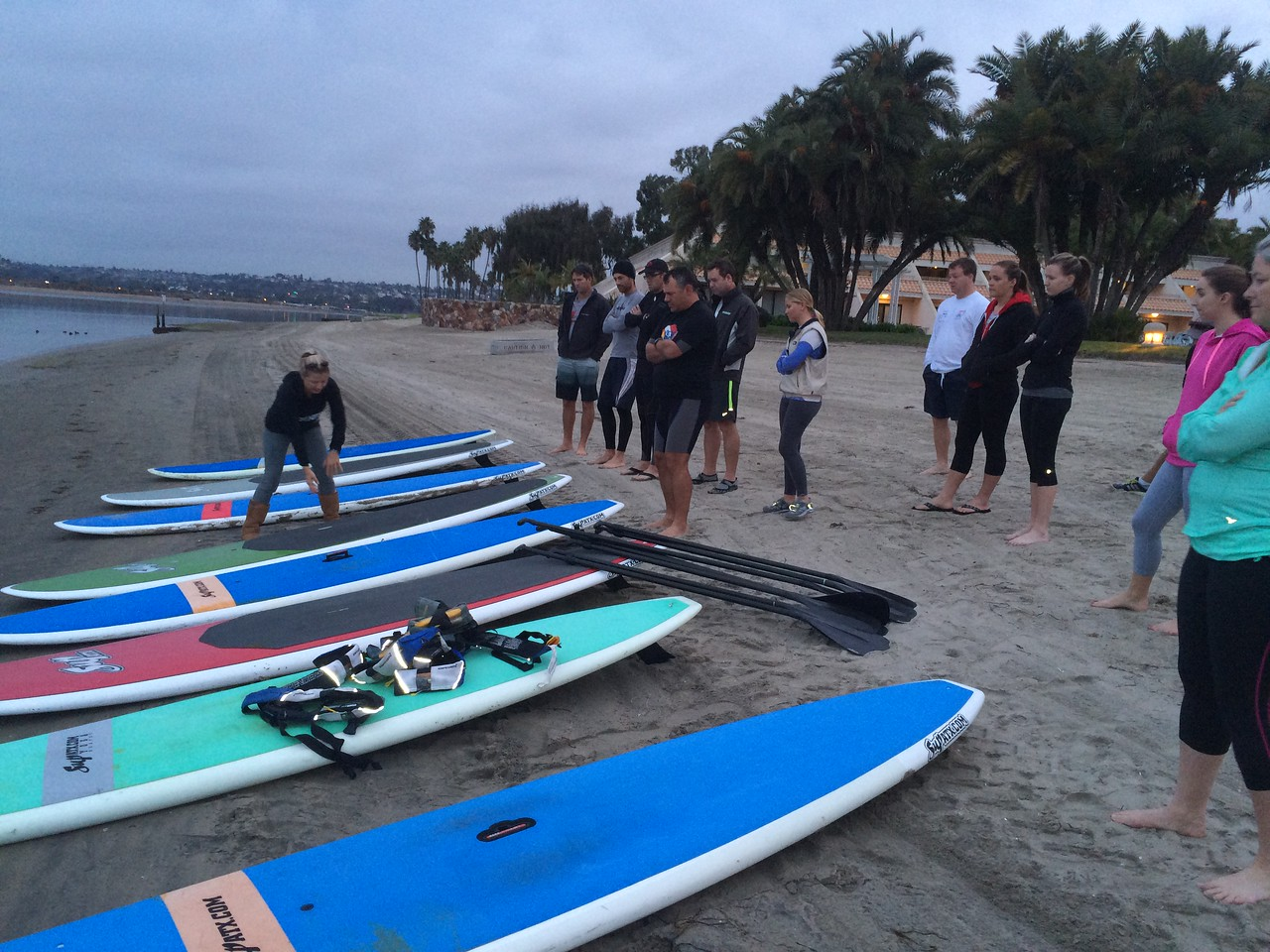 2/6 early morning stand up paddle board fitness class