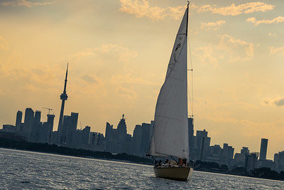 August 26th, 2021 - TORONTO ONTARIO CANADA -  Thursday evening keel boat races at Ashbriges Bay Yacht Club in  Toronto Ontario Canada. (Photo credit: Christian Bonin/TSGphoto.com)
